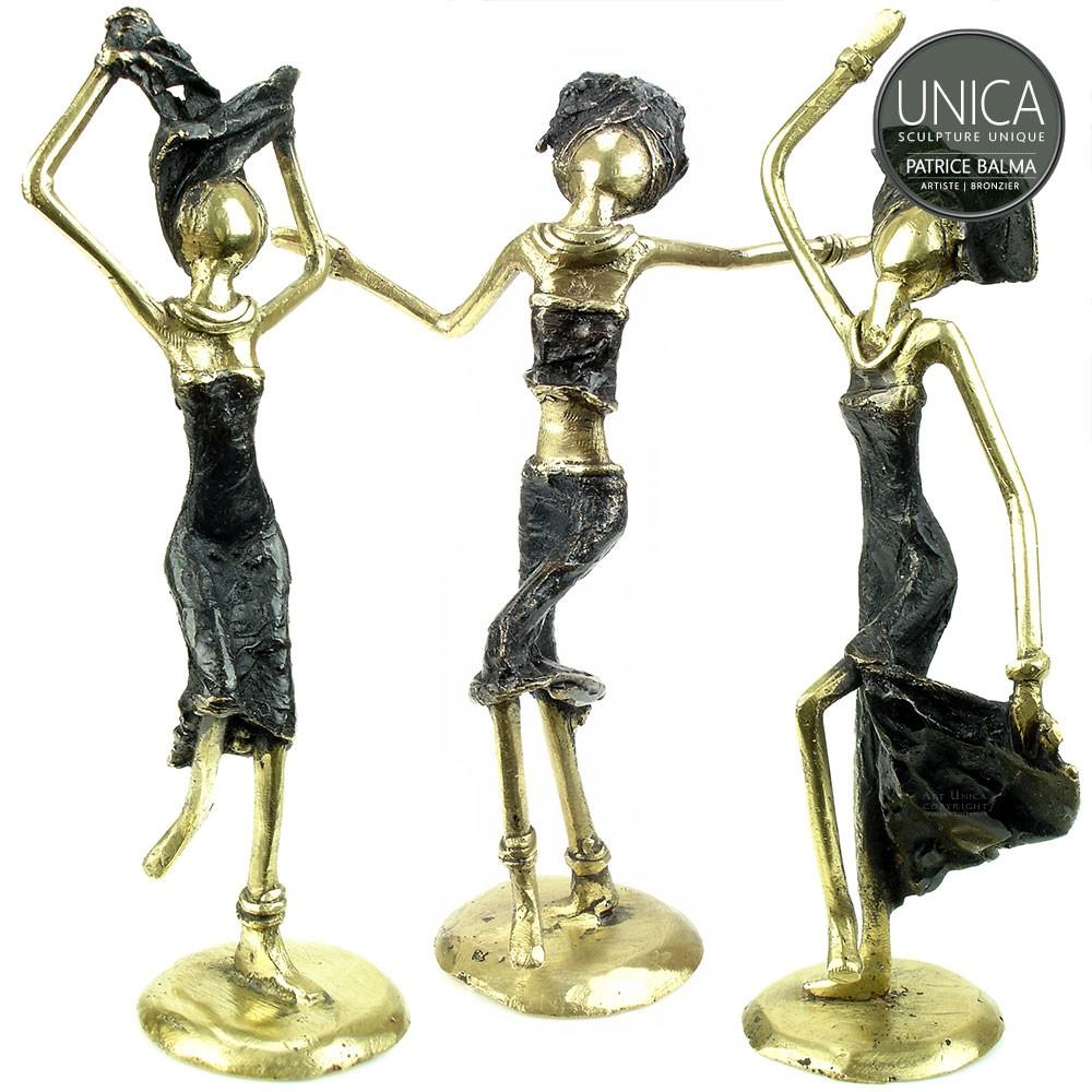 set van 3 bronzen beeldje titel Happy Together