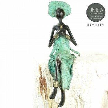 mabelle bronzen beeld Afrikaanse vrouw zittend