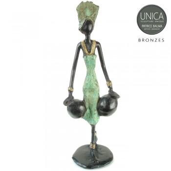 Bronzen beeld Afrikaanse vrouw met waterkruiken