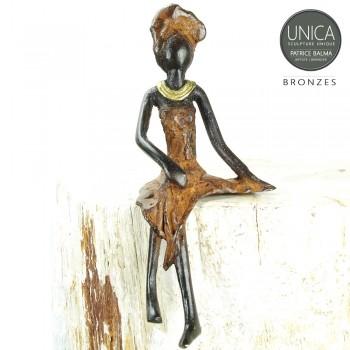 Afrikaans beeldje vrouw zittend titel Blanche