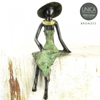 Axelle beeldje Afrikaanse vrouw brons zittend