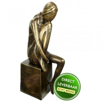 """Bronzen beeld jonge vrouw Eduard Martens titel """" Overdenkingen"""""""