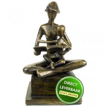 Moeder met kind bronzen beeld
