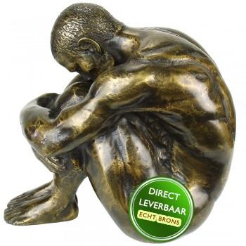 Body and Soul man zittend bronzen beeld