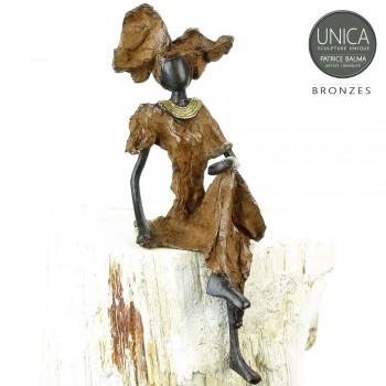 Afrikaans beeldje vrouw zittend titel Helene